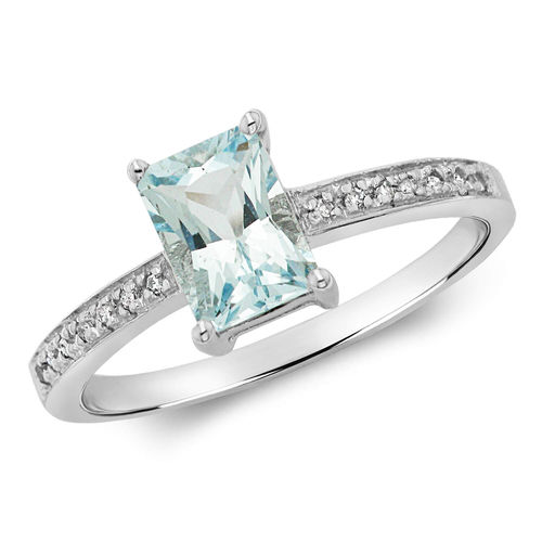 Womens 9ct White Gold Diamond & Emerald Cut Aquamarine Ring